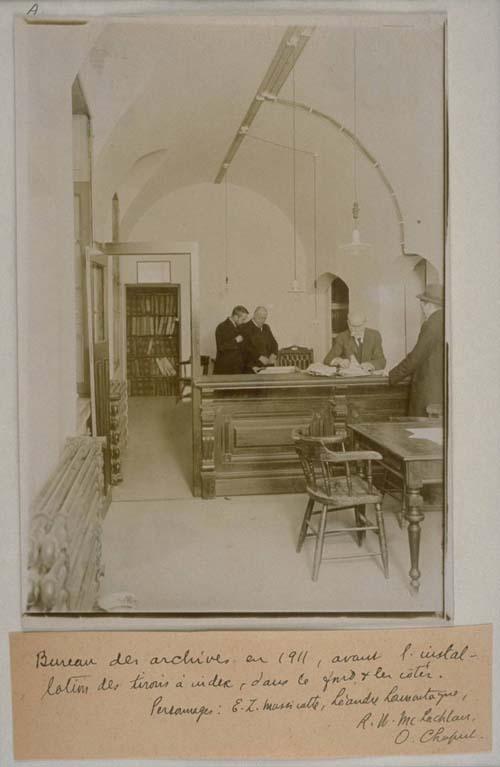 E.-Z. Massicotte aux Archives judiciaires de Montréal